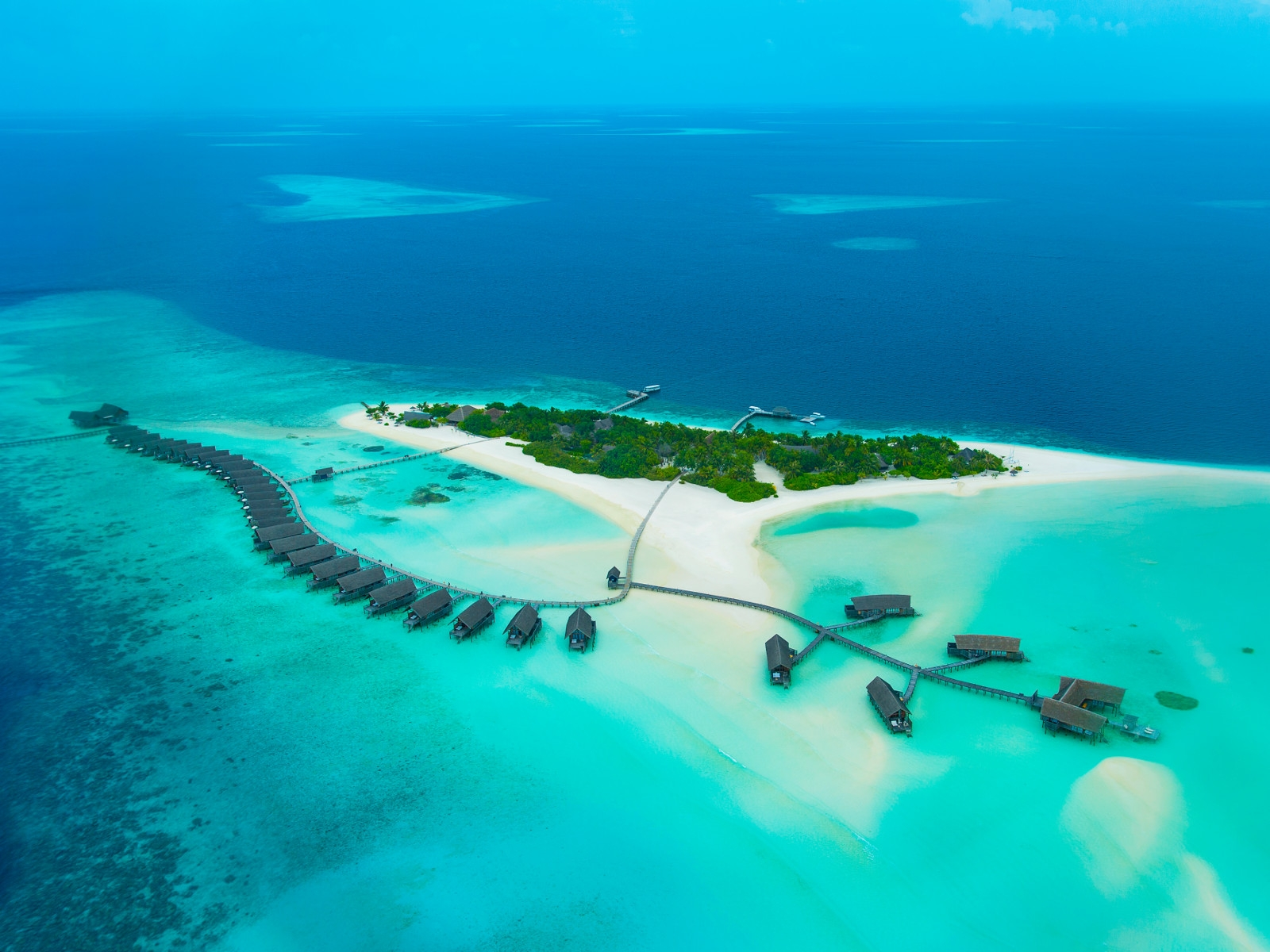 Top 10 beaches with the clearest waters in the world for Best clear water beaches in the world